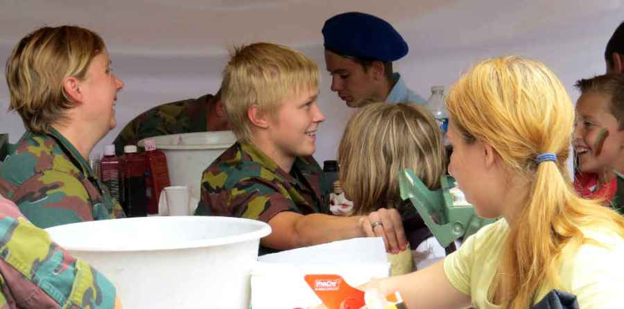 National holiday - Face painting with the military