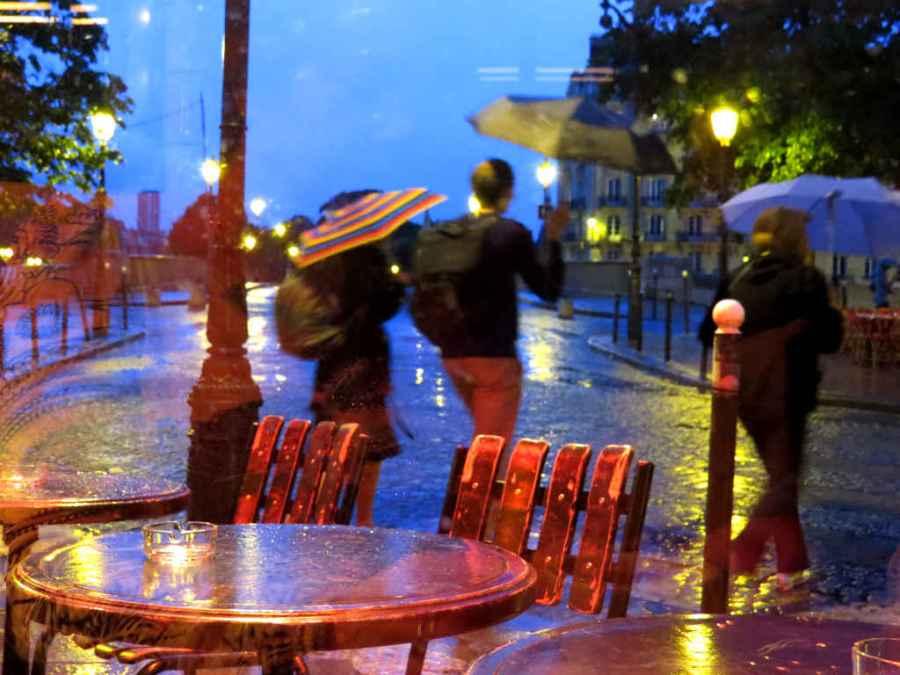 Blue light in Paris