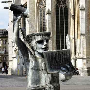 Brief return: Pour on knowledge fountain at Leuven