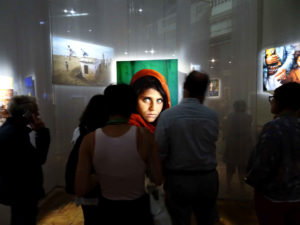 Steve McCurry: The girl with the eyes
