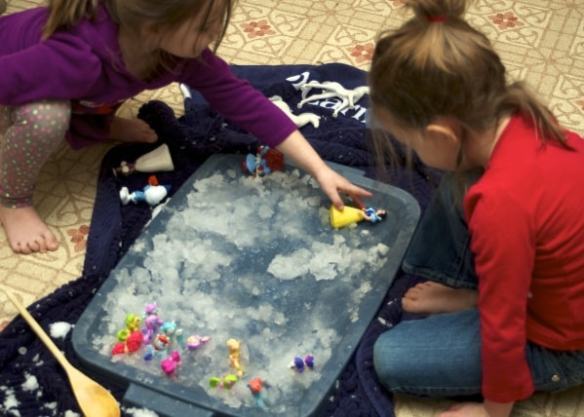 Sensory activities are a big hit with babies, toddlers, and preschoolers. Click here for DIY sensory activities to keep your preschooler busy.