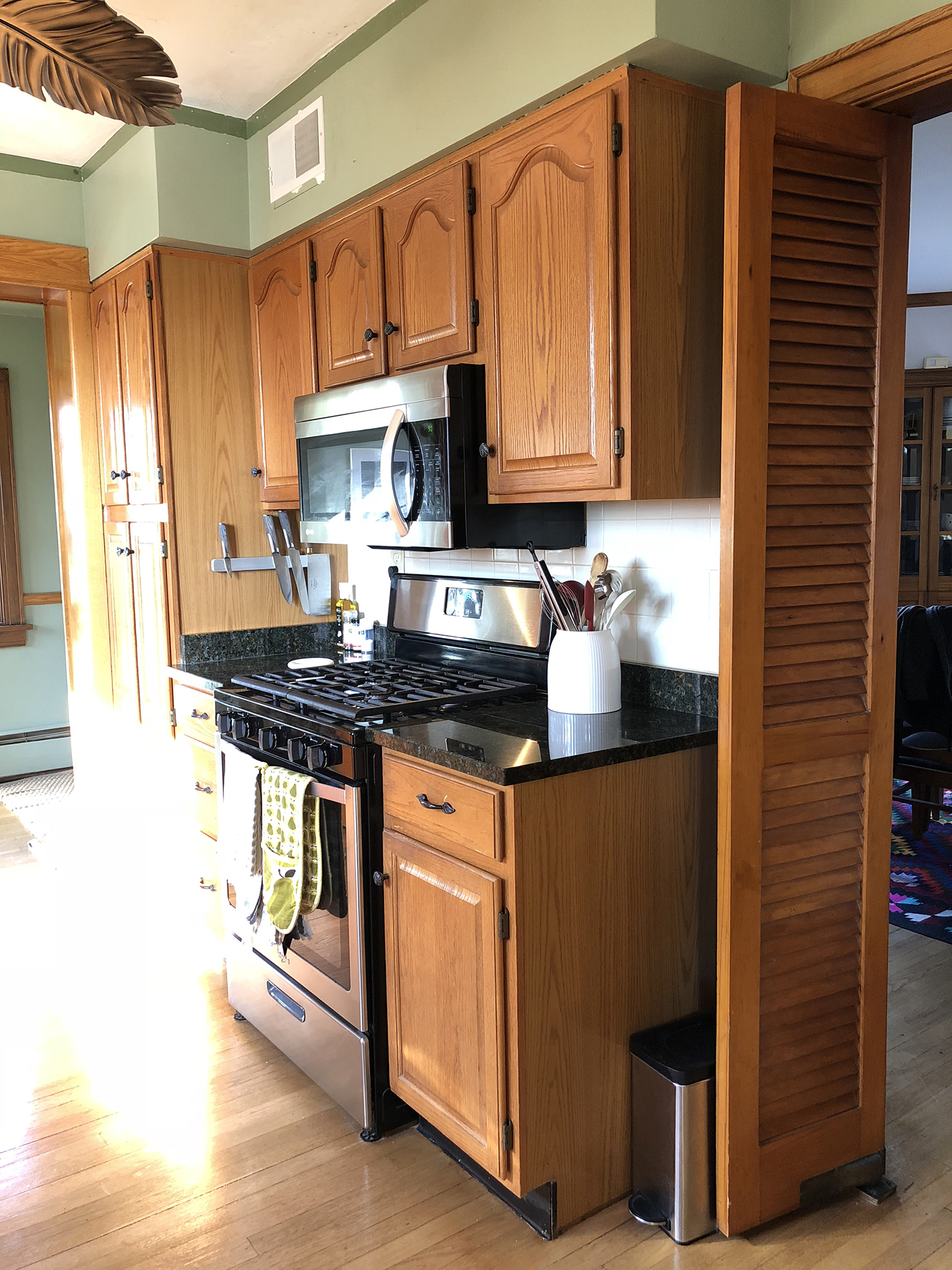 kitchen facelift table lights our two weekend 600 the sweet beast honey oak cabinets