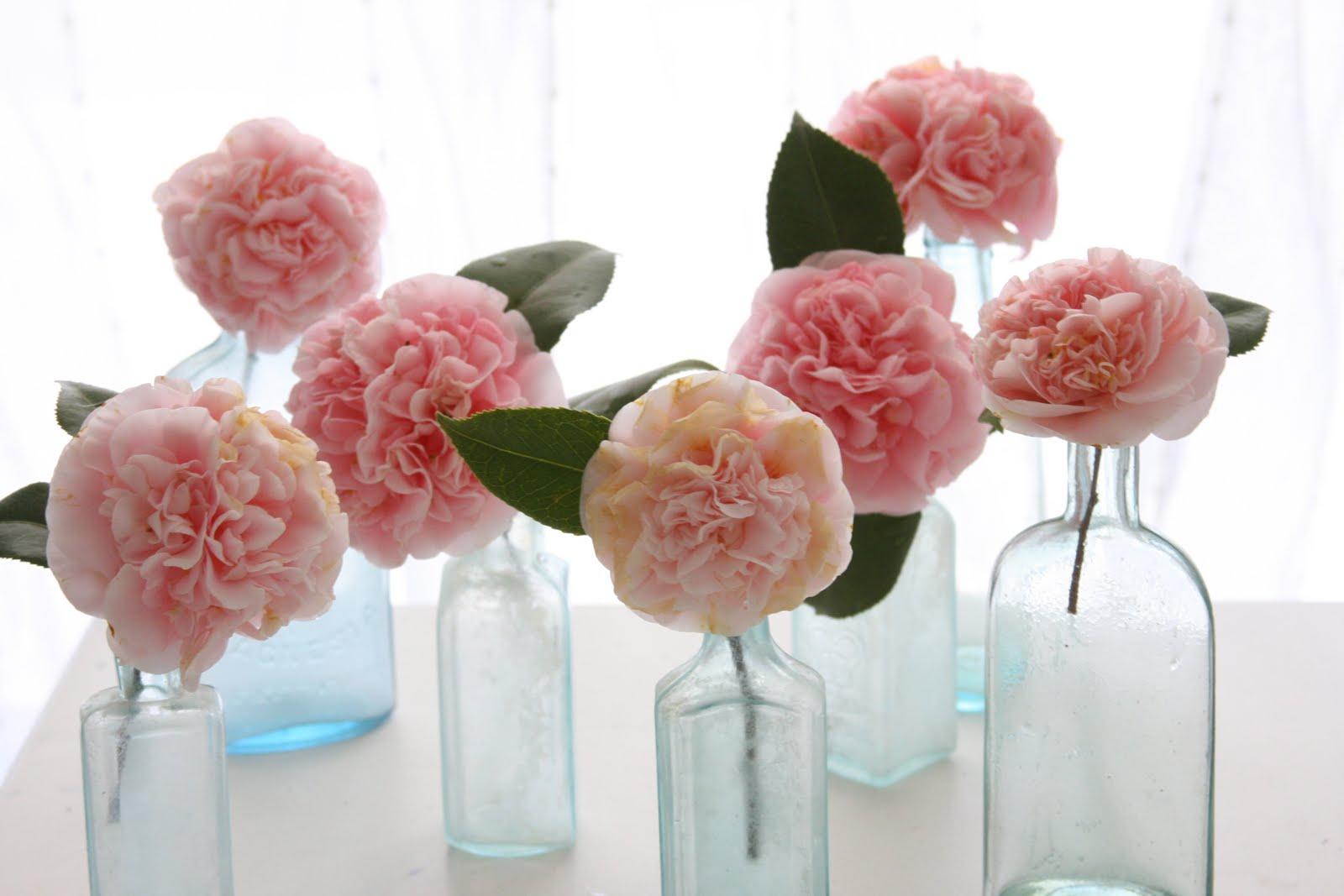 Centros de mesa hecha de una flor-ponpóm de papel seda