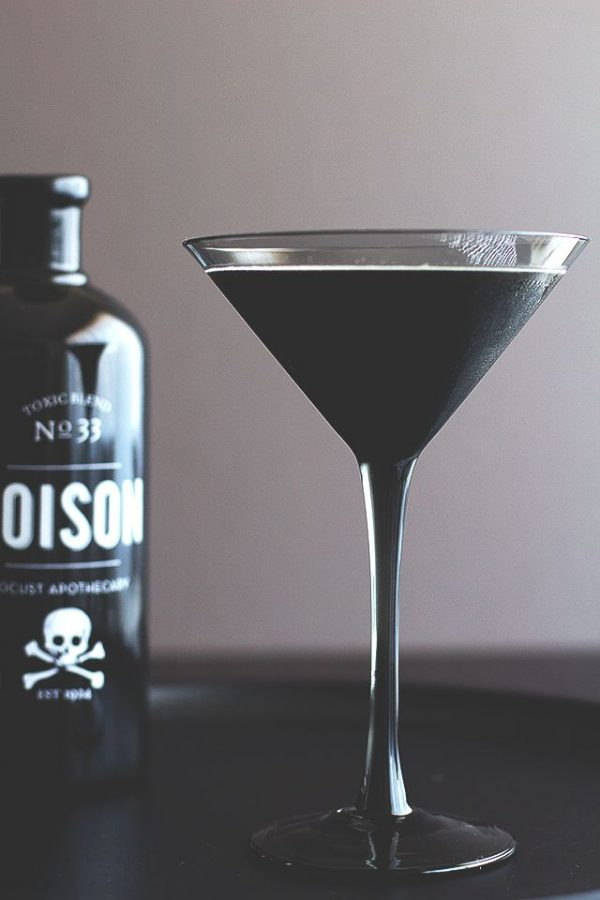 Blackbeard Cocktail | Spooky Halloween Cocktails