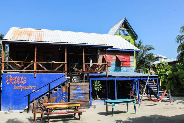 bellas backpackers hostel caye caulker belize