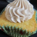 Vanilla Cupcakes – Wrapping Up the Story