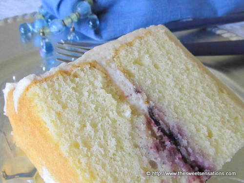 Cake Recipe Light And Fluffy: Yellow Cake With Blueberry Jam