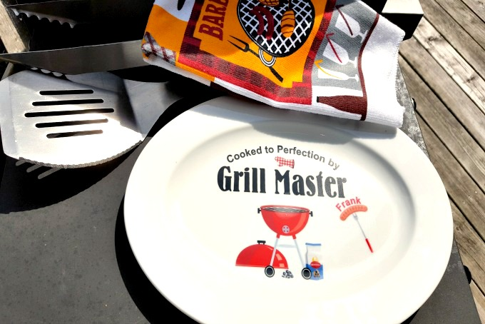 Grilling gifts for dad gives your master of all things grilled the opportunity to really show off his creations.