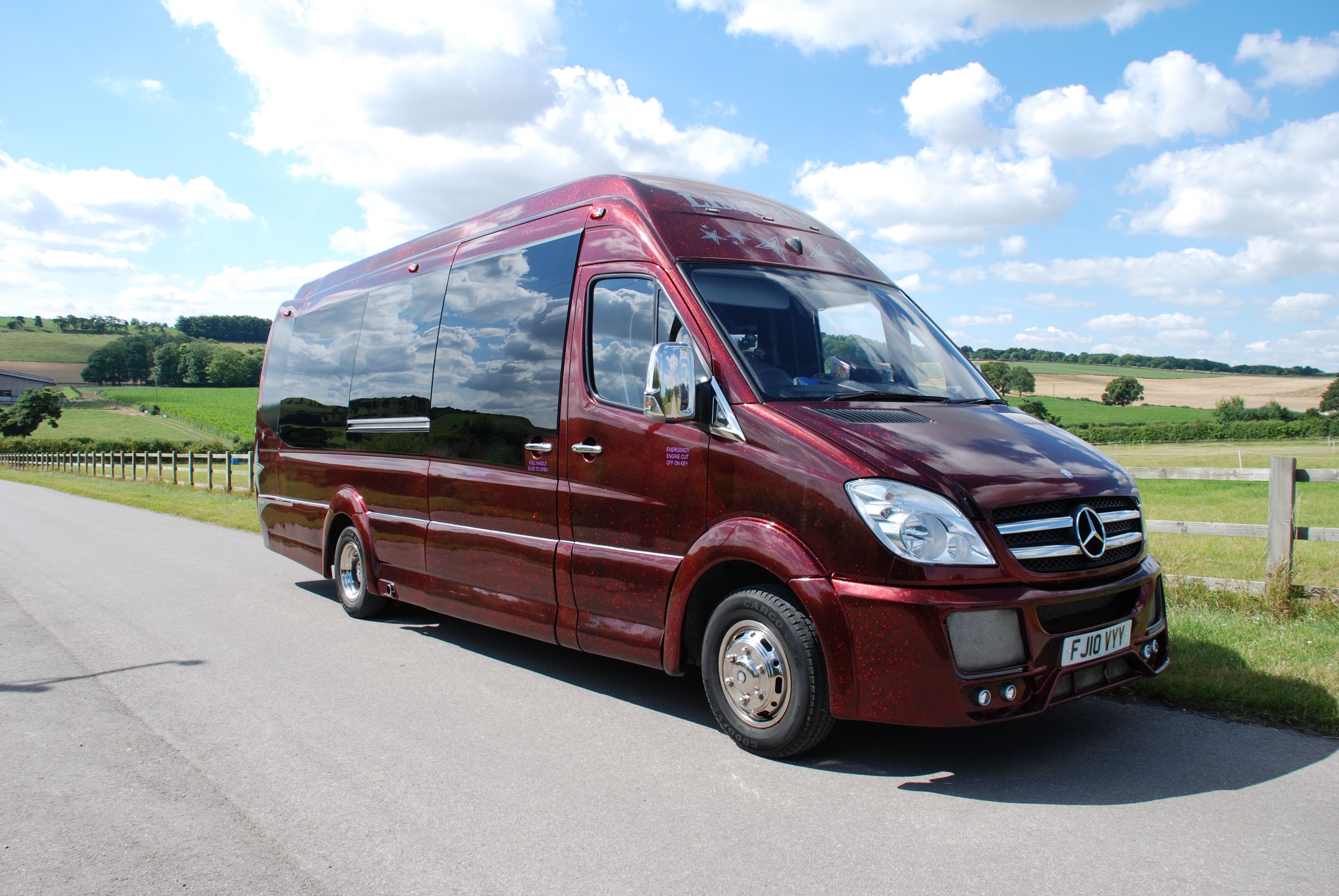 16 Seat Party Limo Bus The Swindon Limo pany