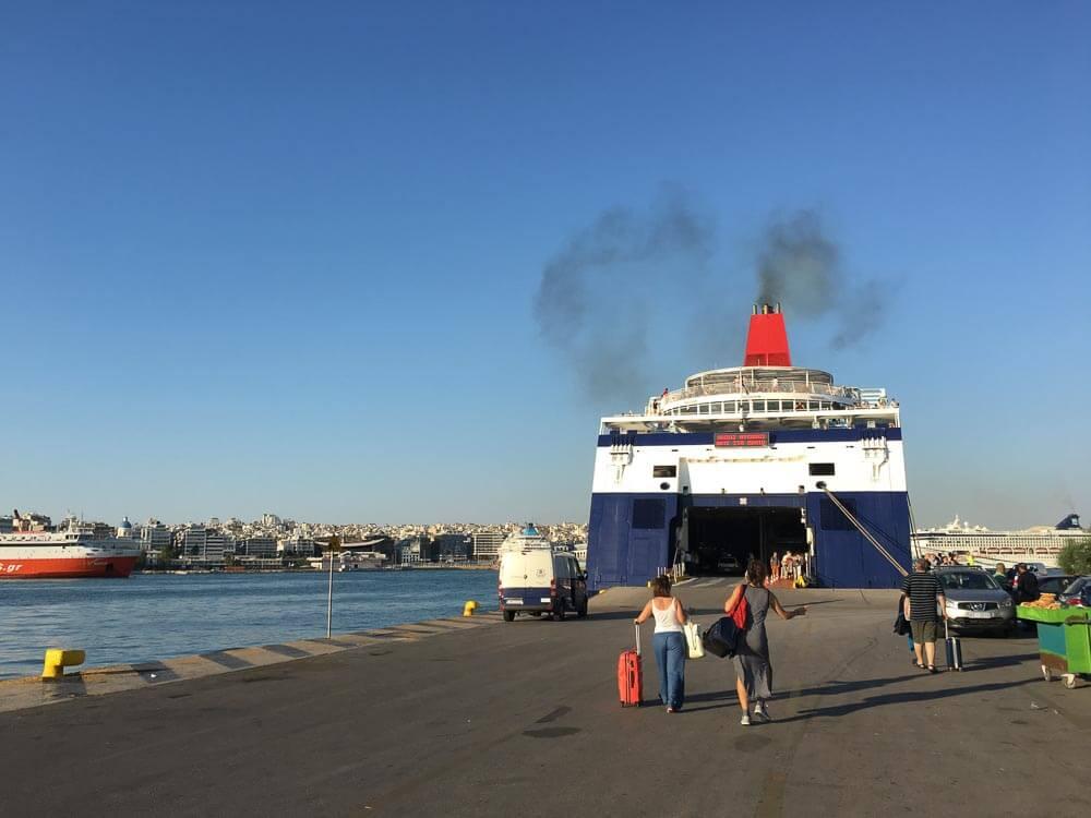 ferry to mykonos