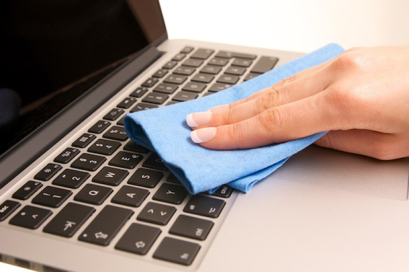 Cleaning the keyboard of laptop