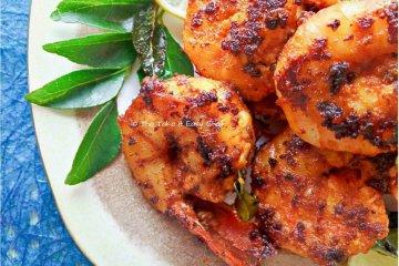 Chilli fried prawns