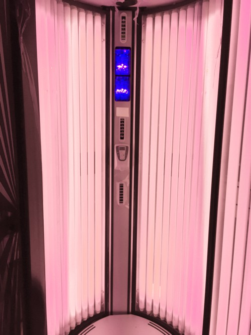 This Red Light Therapy Tanning Lamp Skyrocketed My Vitamin ...
