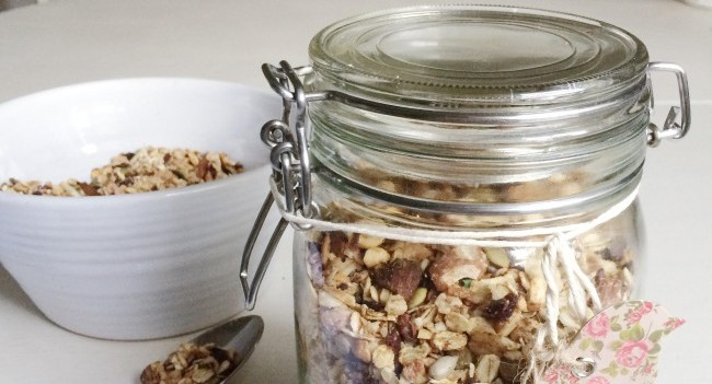 Guiltfree Chocolate and Date Granola
