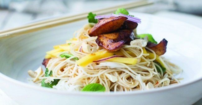 Neven Maguire Spicy Chicken Mango Noodles