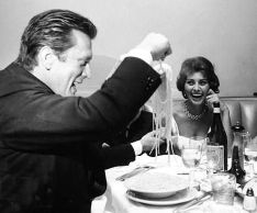 Mobster Movement Sophia Loren
