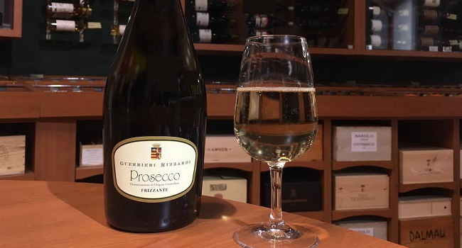 Wine of the Week from O'Briens: Rizzardi Frizzante Prosecco
