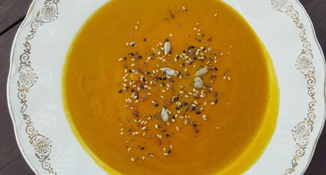 Roast Butternut Squash & Carrot Spiced Soup Recipe from Delalicious