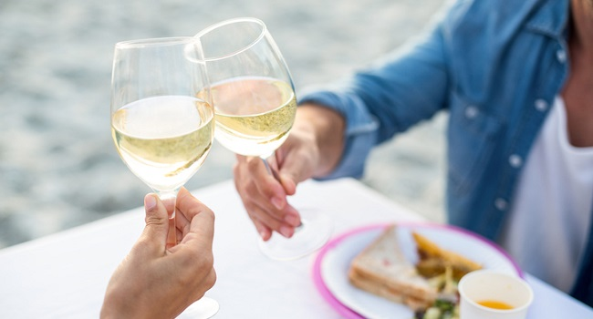 Embrace Albariño - The Zesty, Fruity Bottles to Drink Right Now