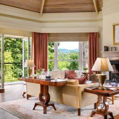 sheen-falls-lodge-master-suite