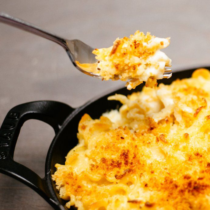 Crunchy and cheesy mac and cheese