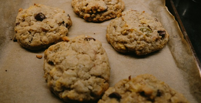 Oatmeal-Raisin Cookies | thetastiestbook.com
