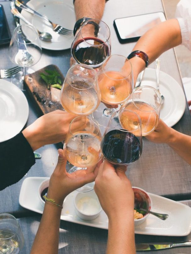 celebration-cheers-drinking-glasses--min