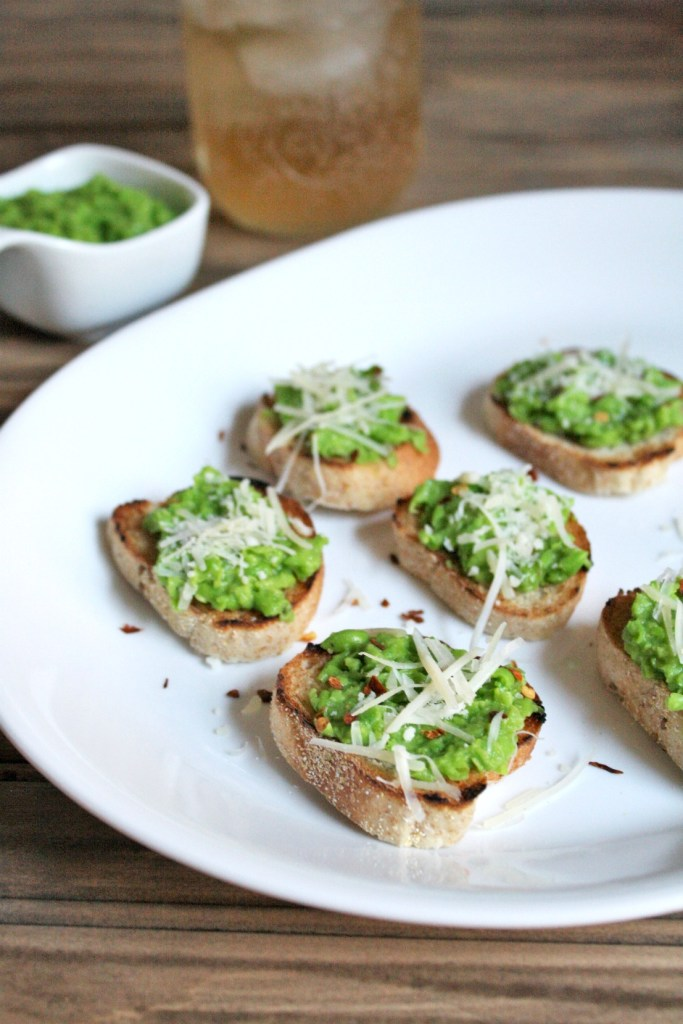 pea-pesto-crostini-1