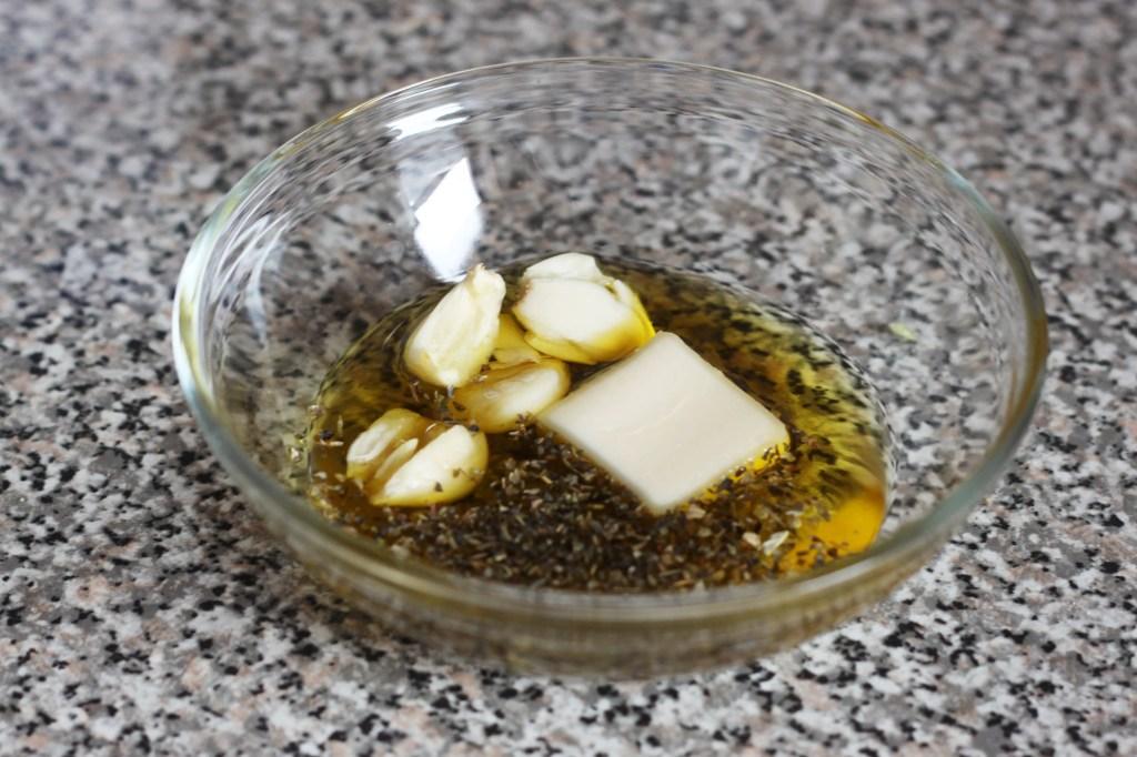 easy-pull-apart-garlic-bread-2