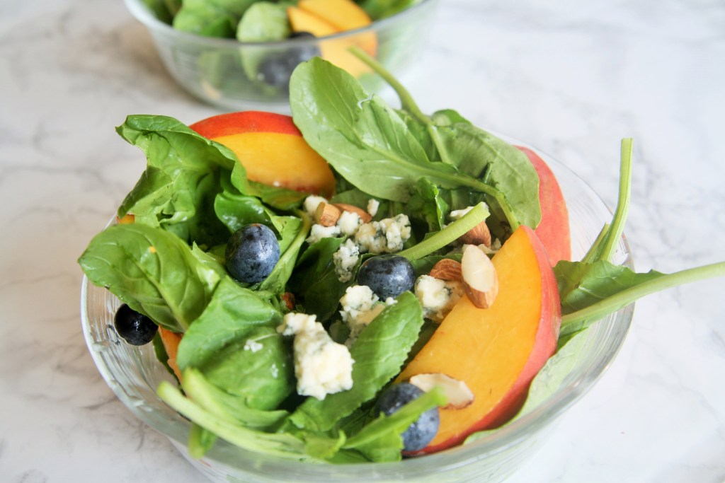 arugula-salad-peach-blueberry-gorgonzola-2