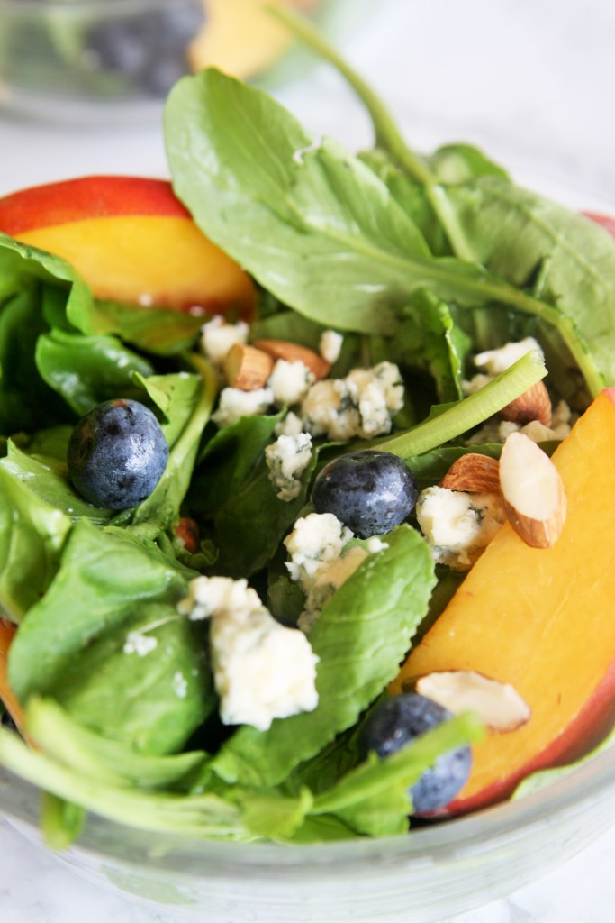arugula-salad-peach-blueberry-gorgonzola-3