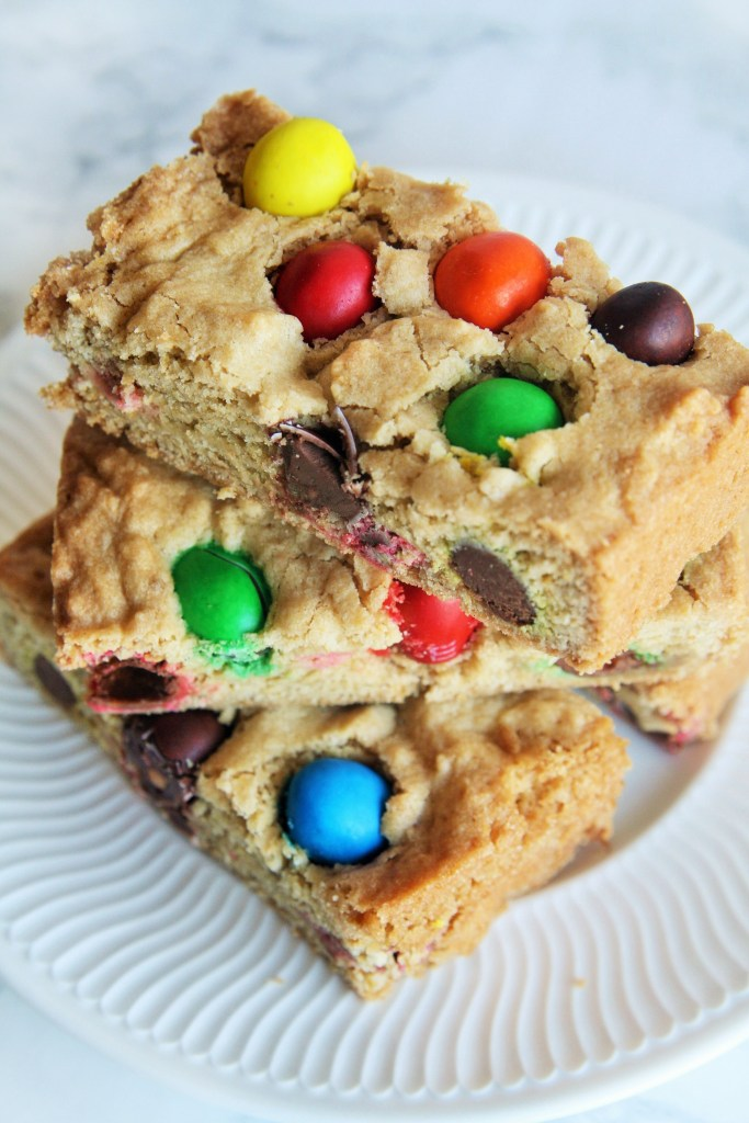 peanut-butter-m&m-cookie-bars-1