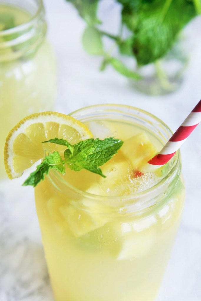 sparkling-pineapple-lemonade-1