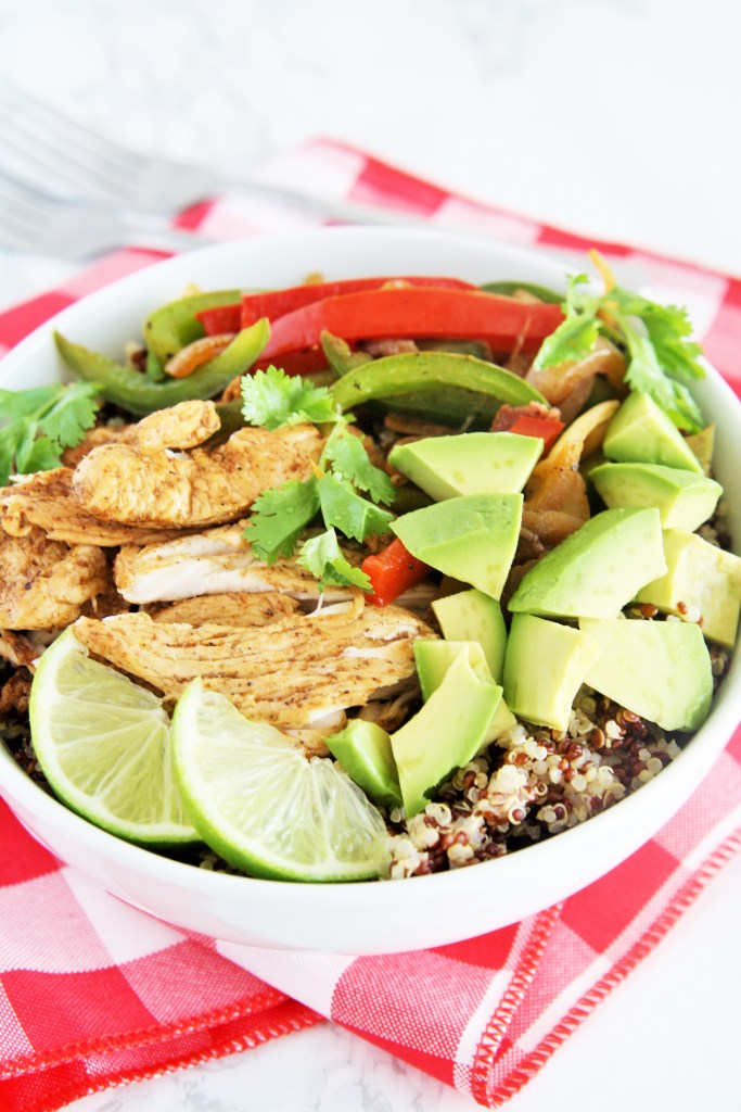 chicken-fajita-quinoa-bowl-2