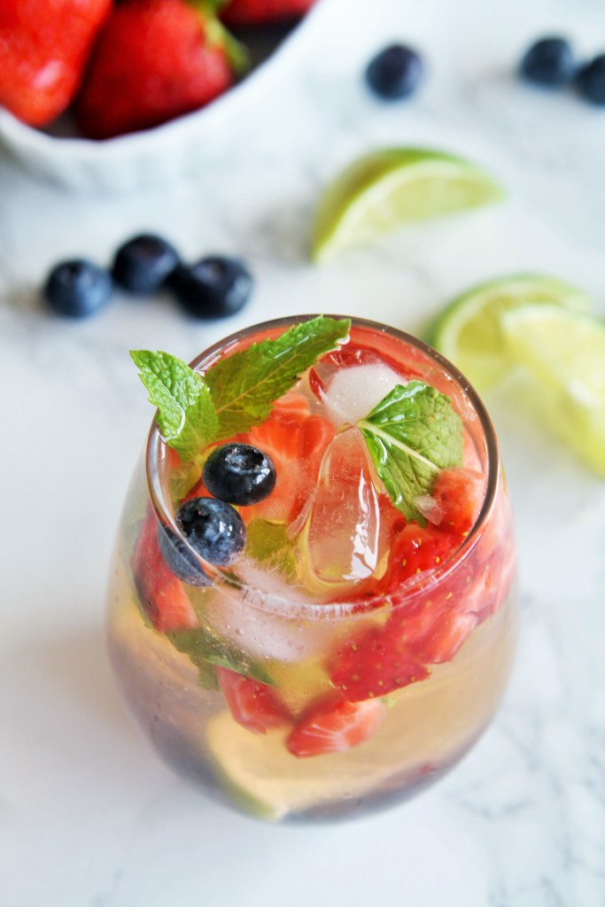 mixed-berry-mojitos-2