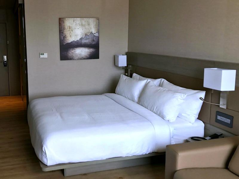 AC Hotel Bricktown guest room