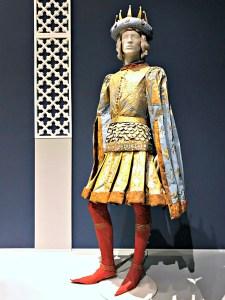 Isabelle de Borchgrave male costume