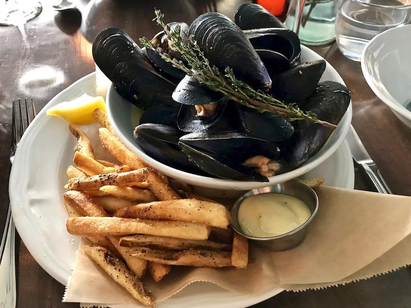 mussels at la buvette san pedro