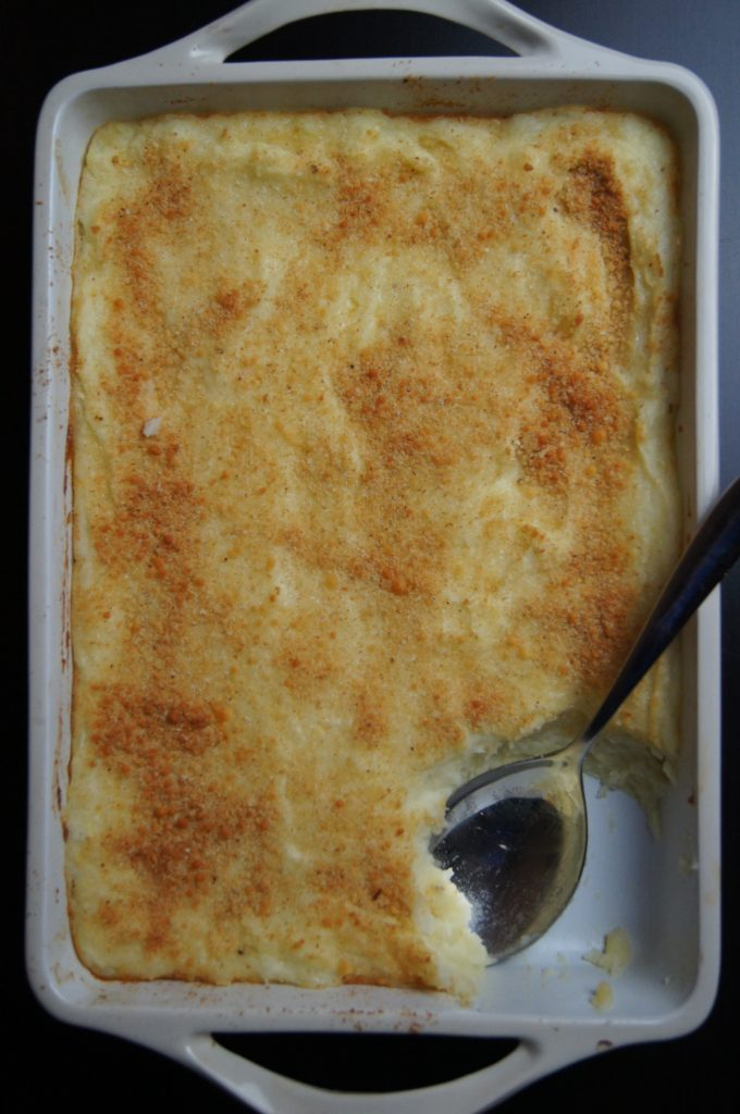 Baked Mashed Potatoes with Mozzarella and Parmesan Bread Crumbs