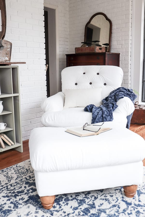 A round up of bed skirts, light fixtures, date nights, mud room, reupholstered chair, and an ottoman slipcover from five different bloggers.