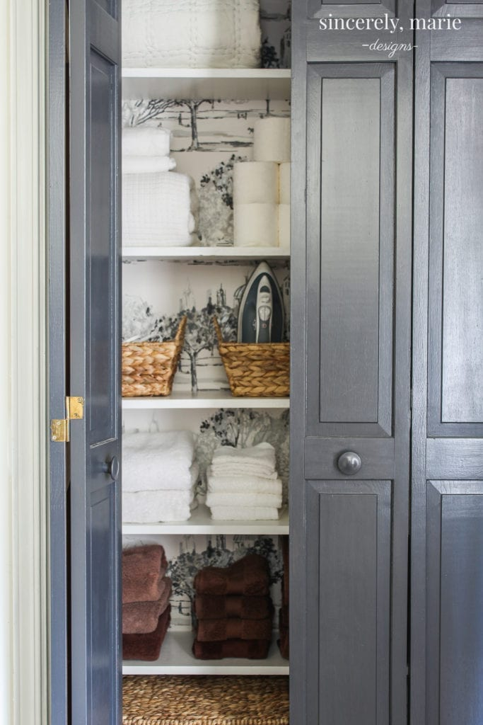 Home Decor DIY linen closet makeover