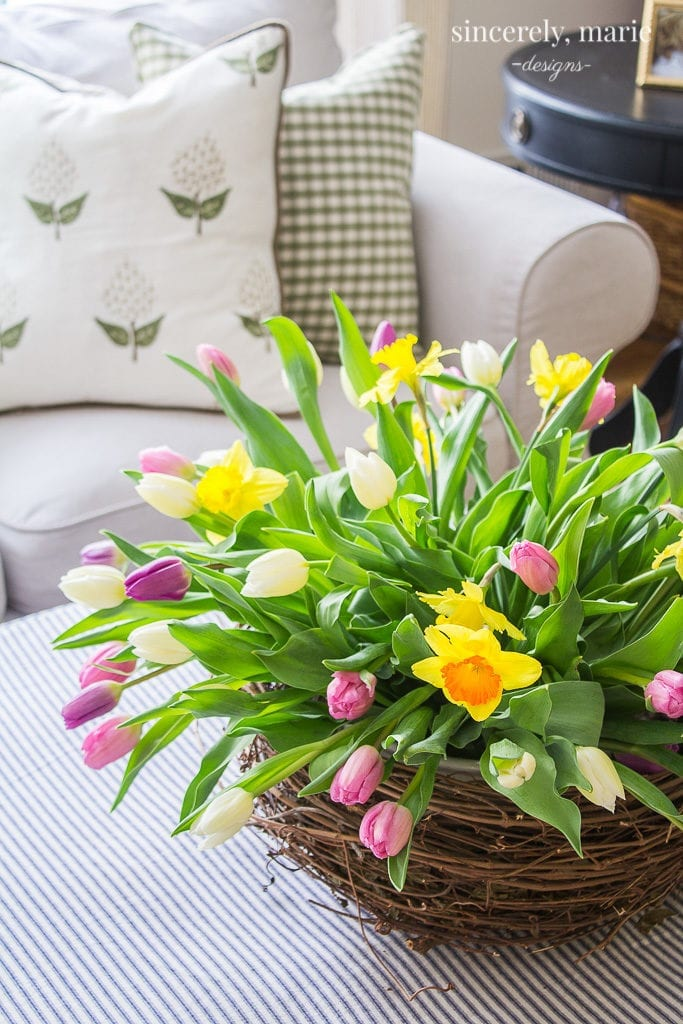 Here you will find a book review, kitchen remodel, low carb recipes, spring arrangement, and organization tips for Welcome Home Sunday.