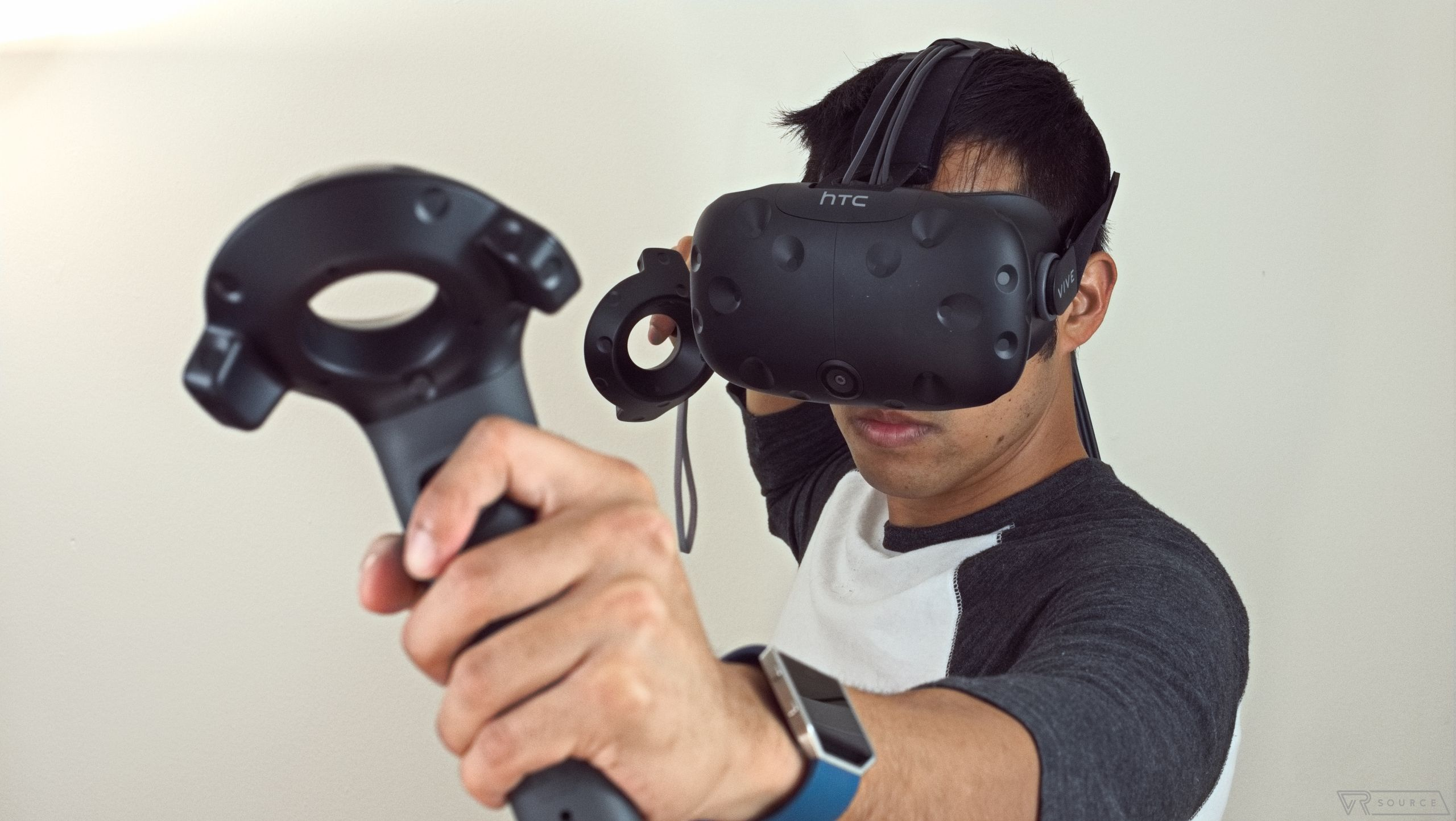 Permanent price cut for HTC Vive