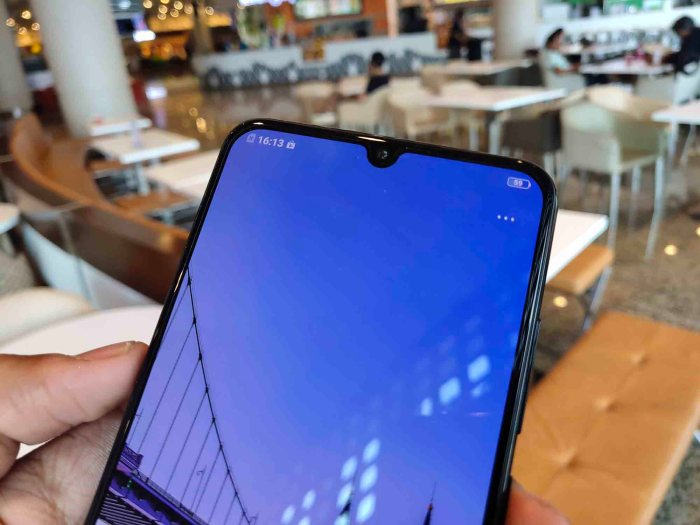 Vivo V11 Pro with in-display Fingerprint Scanner launched in India