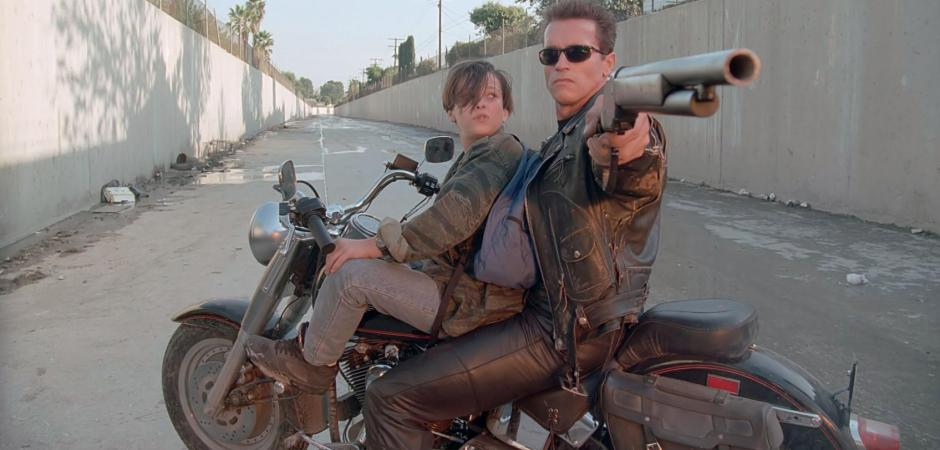 Terminator 2 3D John Connor T-800 Canal Chase