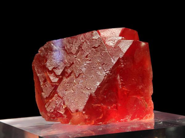 Fluorite. Photo credit: Musée des cristaux de Chamonix