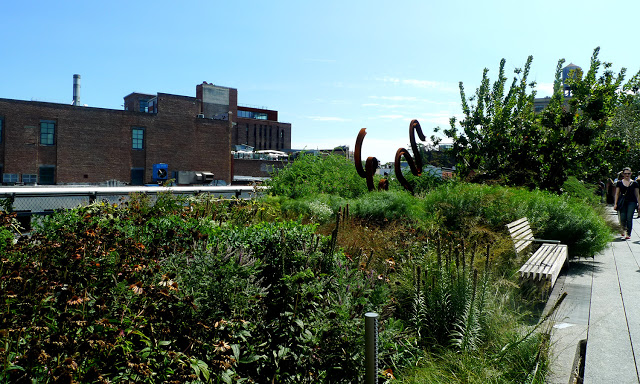 solo backpacking New York City - The High Line