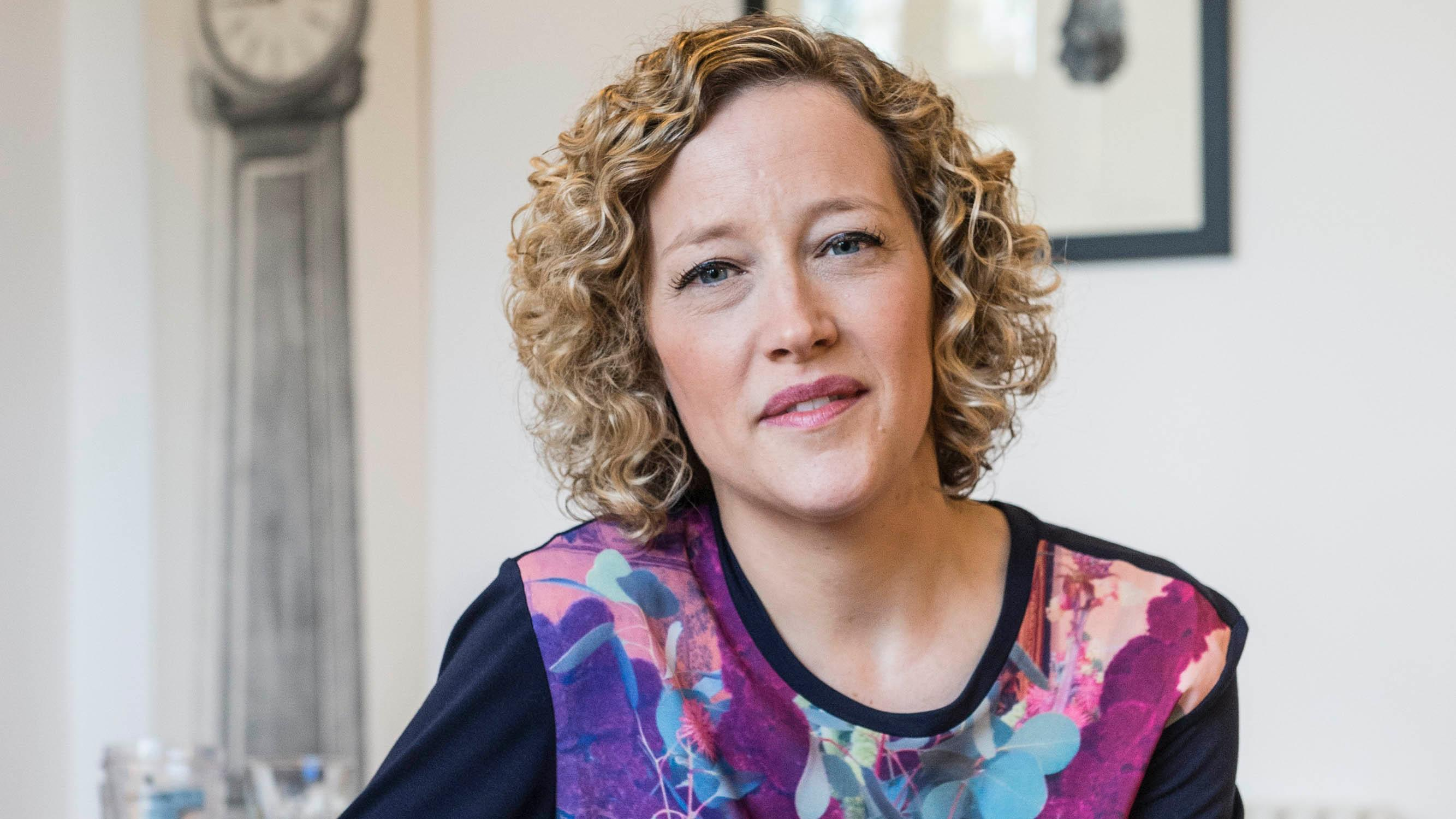 Channel 4s Cathy Newman Trolled Over Gender Pay Gap