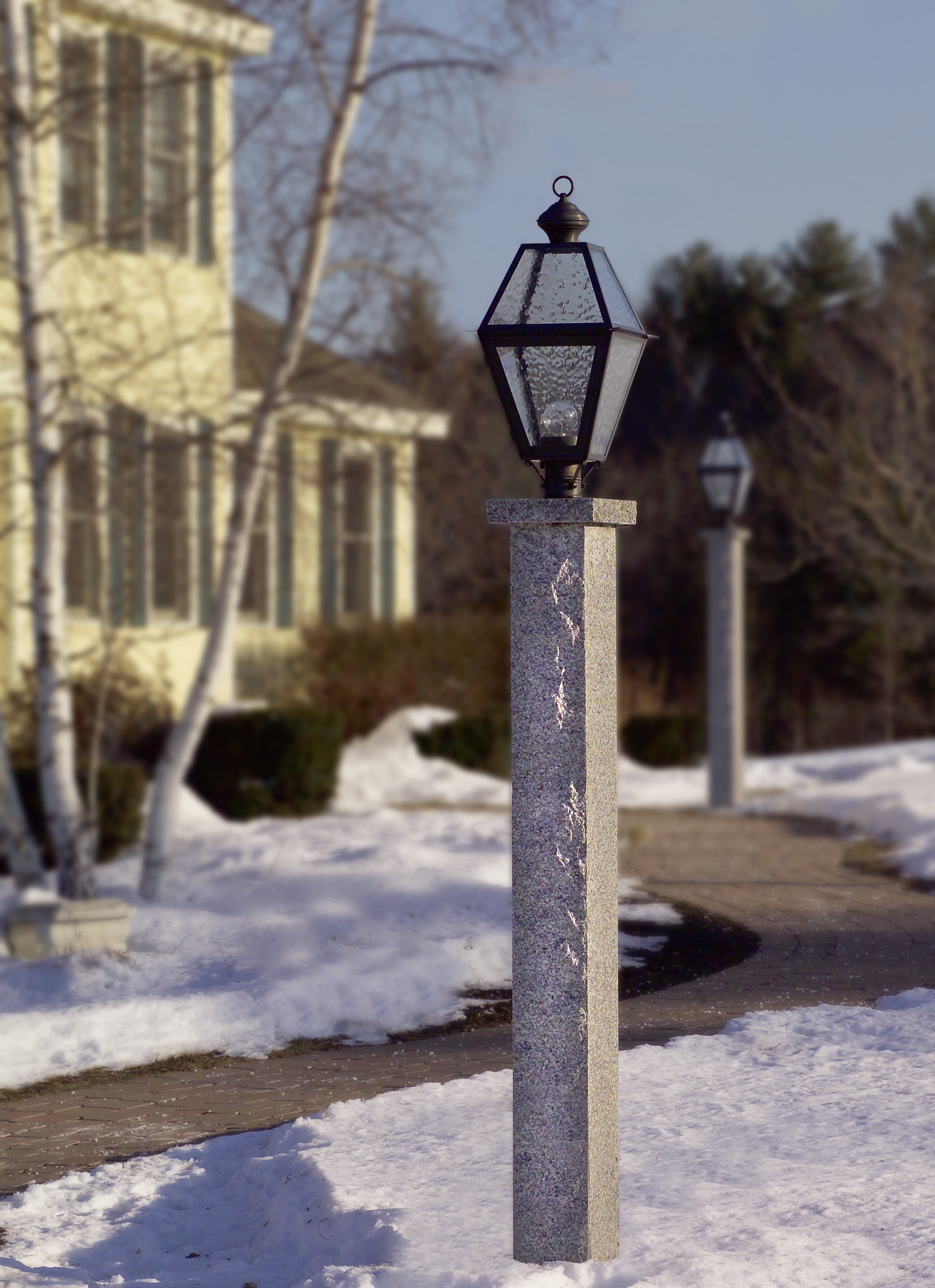 colonial primitive and country post lights