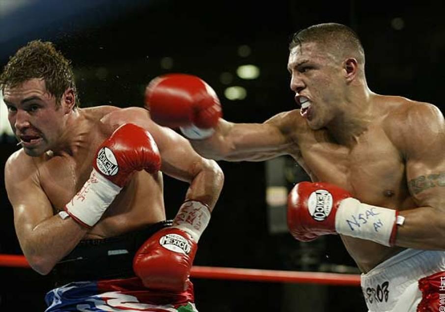 https://i0.wp.com/www.thetitlefight.com/wp-content/uploads/2014/06/De-La-Hoya-vs-Vargas.jpg?resize=906%2C635